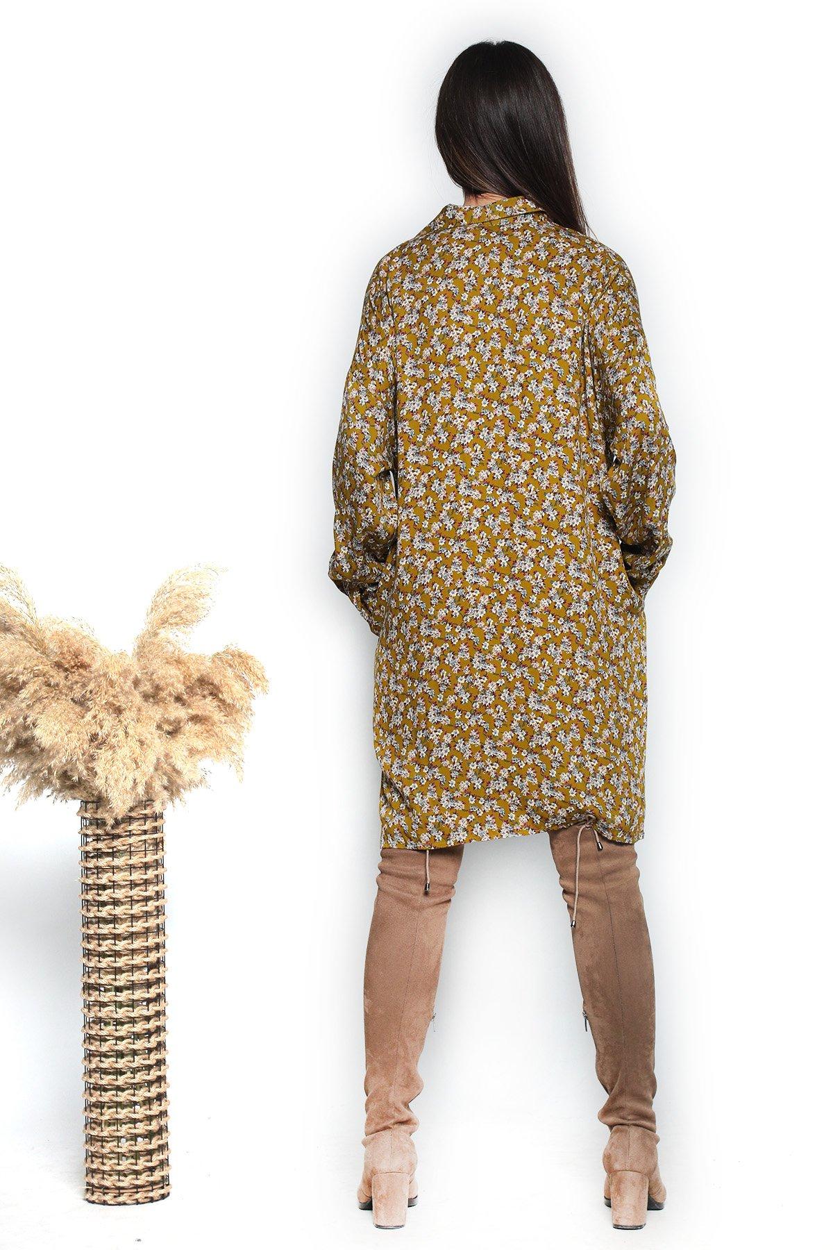Yaka Düğmeli Desenli Elbise