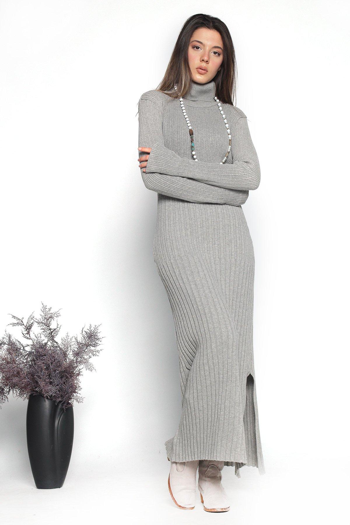 Yan Yırtmaçlı Triko Elbise
