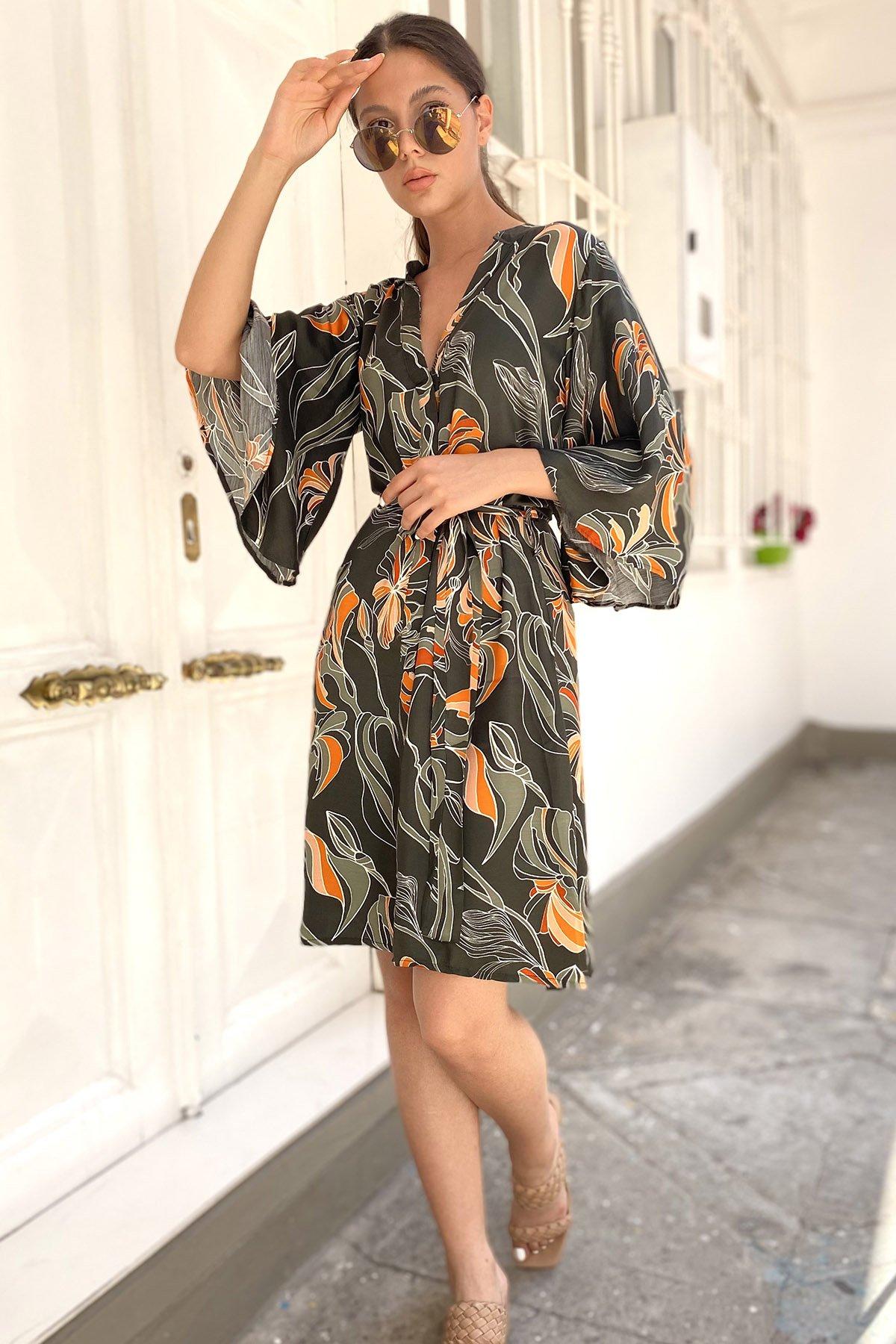 Desenli Bel Bağcıklı  Elbise
