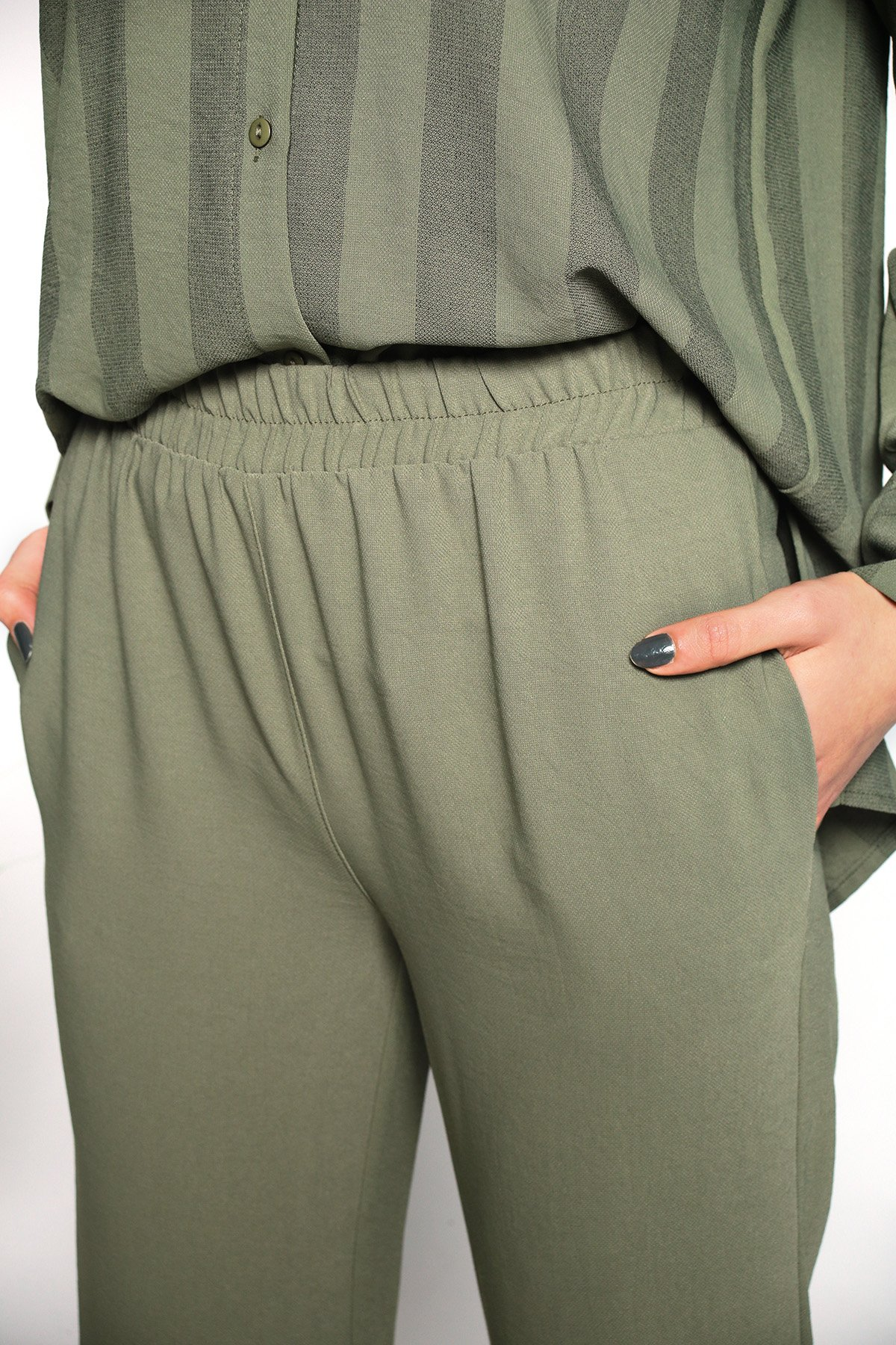 Üst Çizgili Gömlek Pantolon Takımı