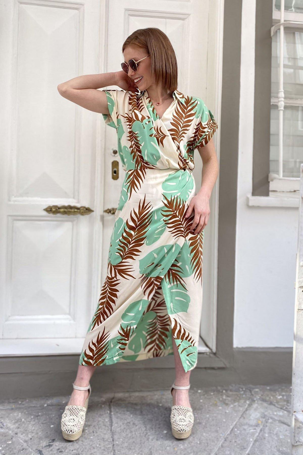 Yırtmaçlı Desenli Elbise