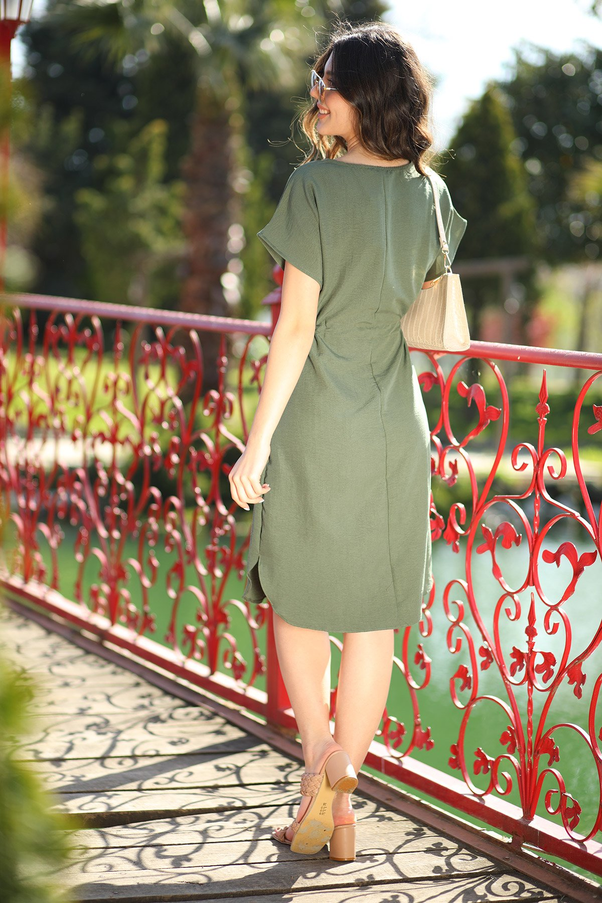 Bel Bağcıklı Kısa Kol Elbise