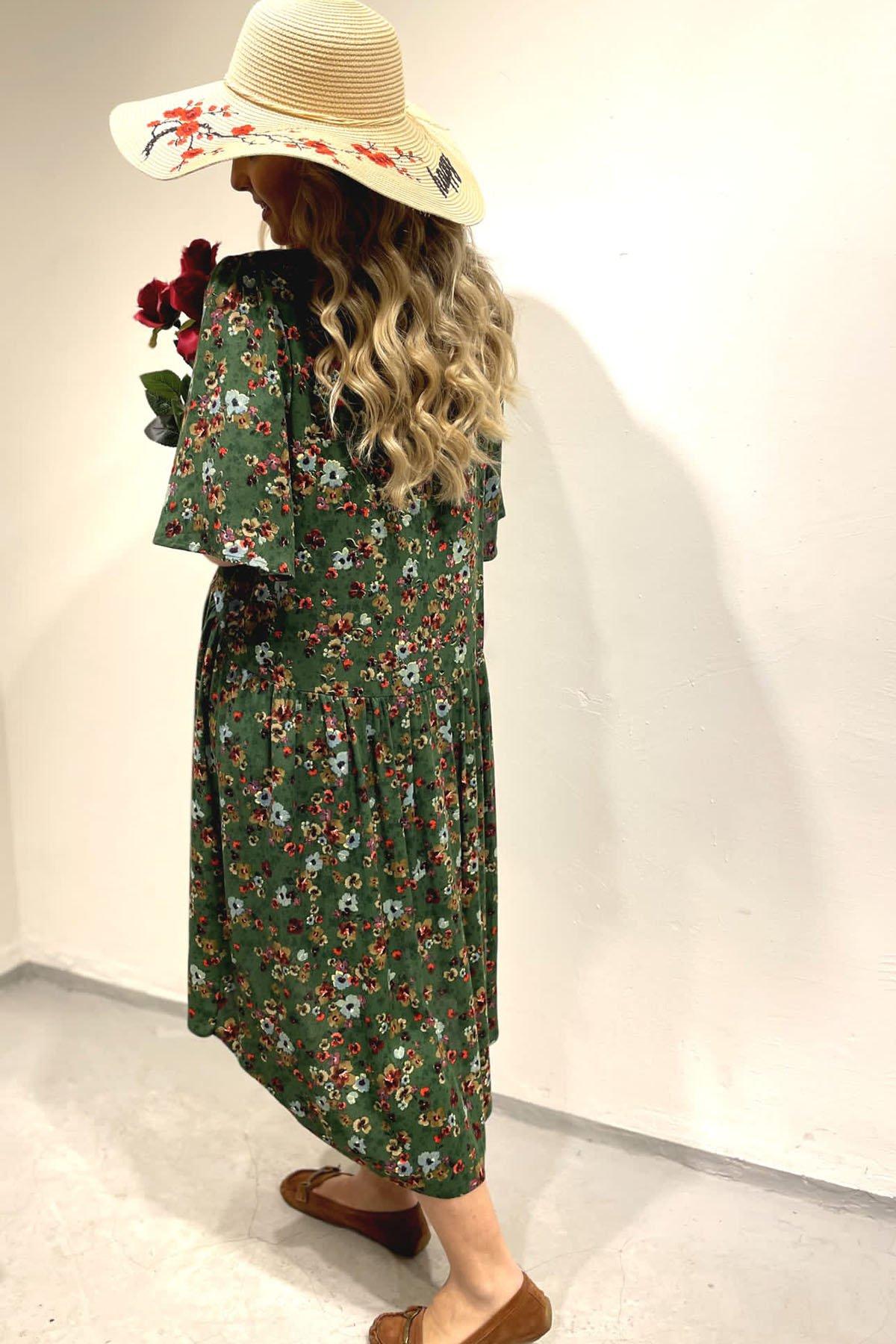 Çiçekli Kısa Kol Elbise