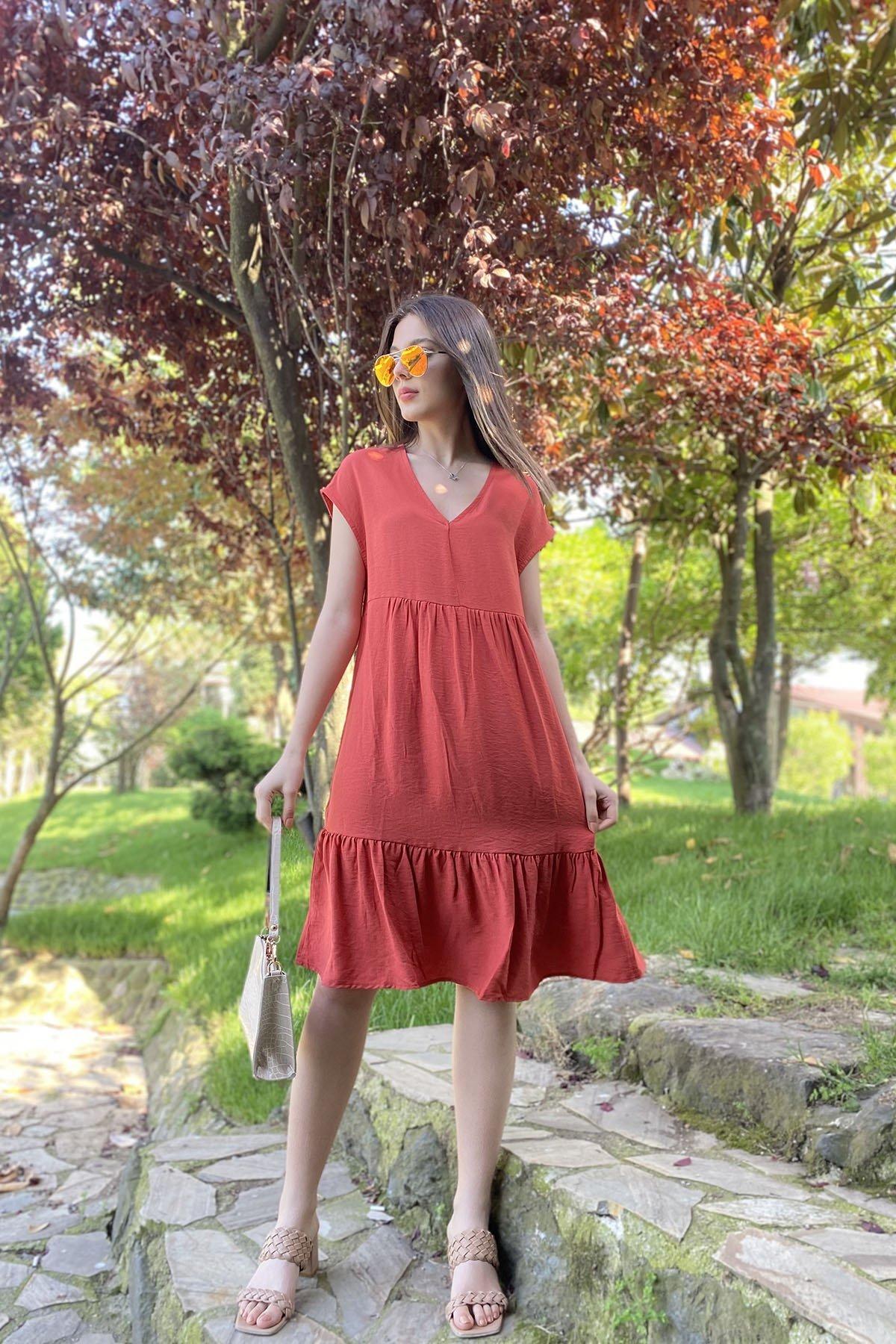 V Yaka Sıfır Kol Elbise