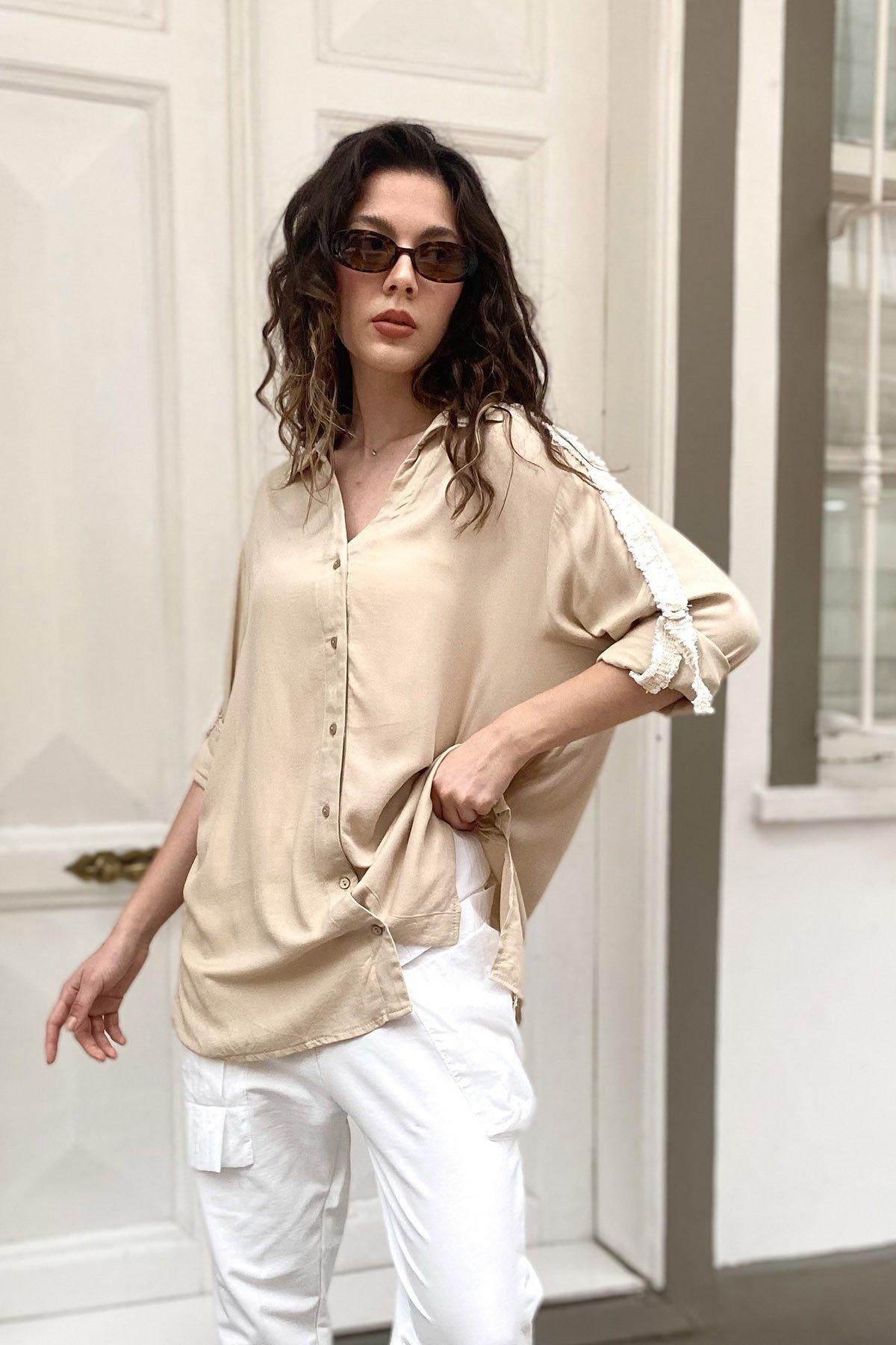 Kol İşlemeli Gömlek