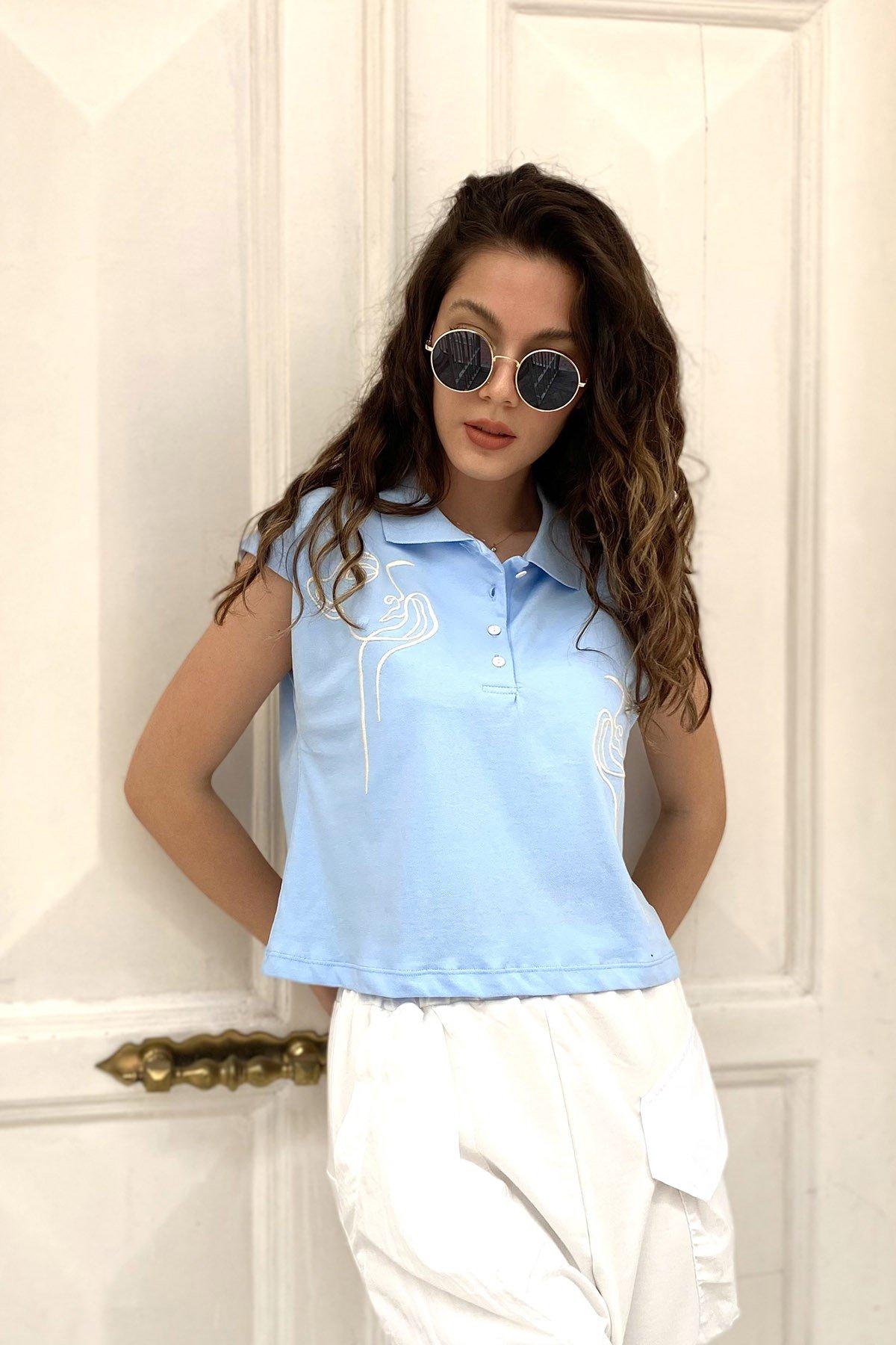 Yaka Düğmeli Kısa Kol T-shirt