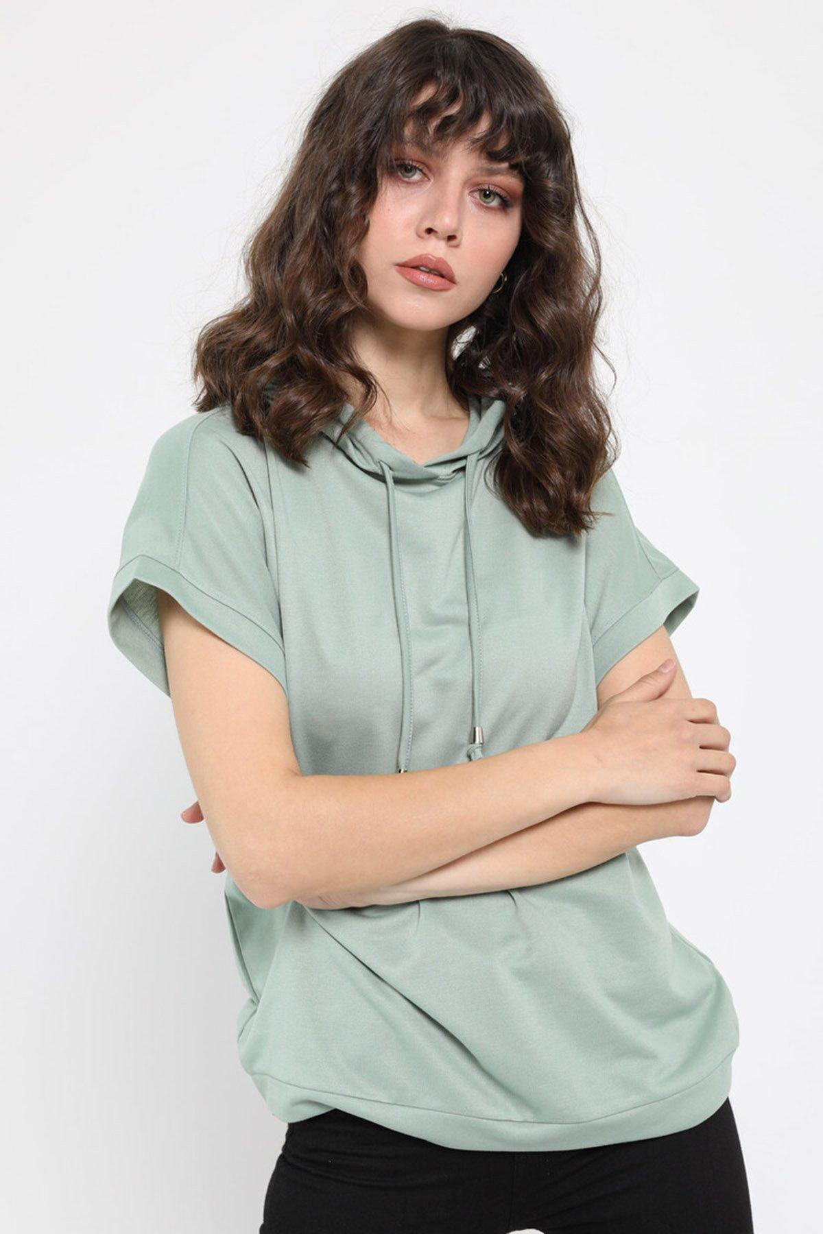 Kapşonlu T-shirt
