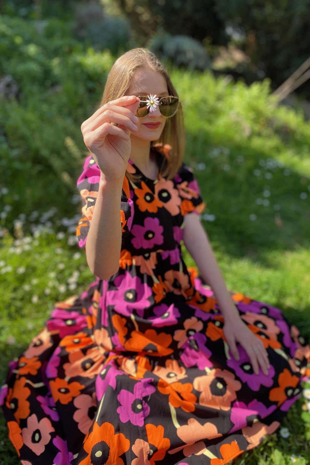 Çiçek Desenli Kısa Kol Elbise