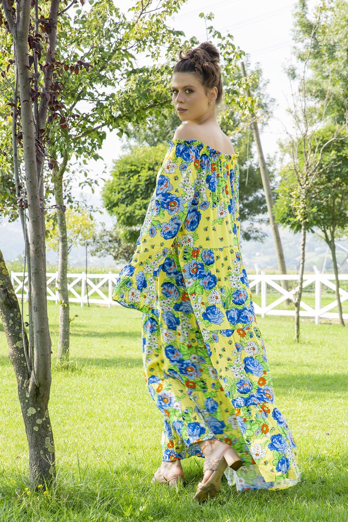 Yaka Lastikli Desenli Elbise