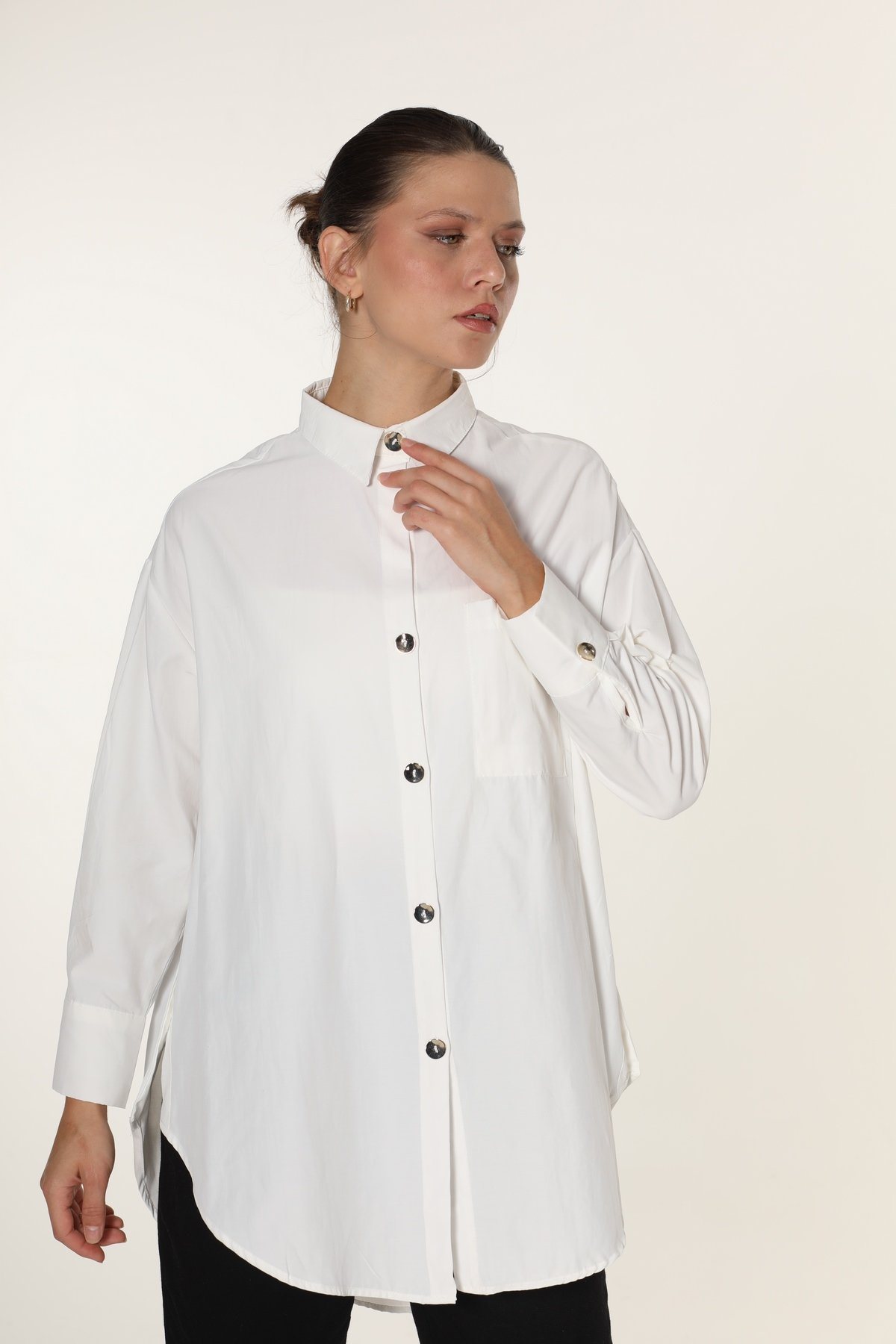 Yan Düğmeli Tek Cepli Gömlek